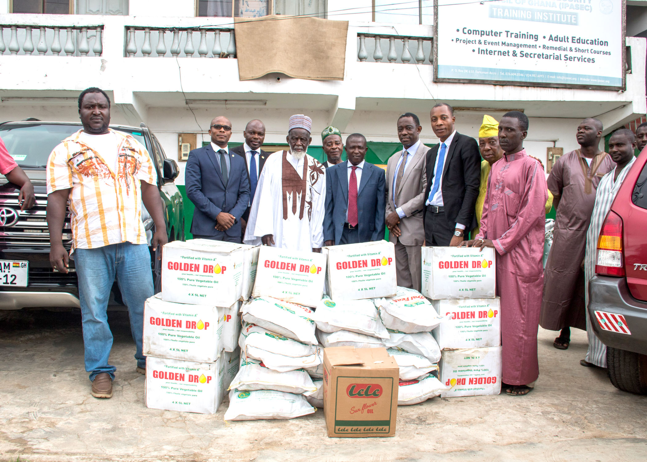 SAHEL SAHARA BANK DONATES TO THE MUSLIM COMMUNITIES